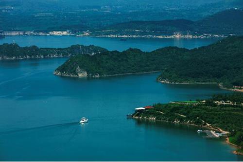 山水文园·金海湖:世界级高端湖居度假样本 在此次红榜评选中