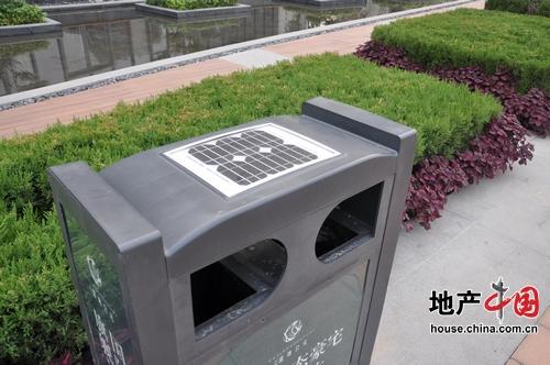 垃圾箱上的太阳能采集