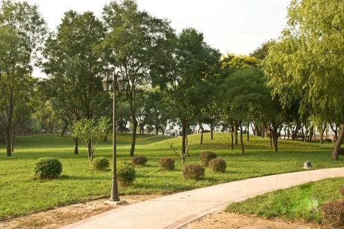侯马市香邑湖风景区