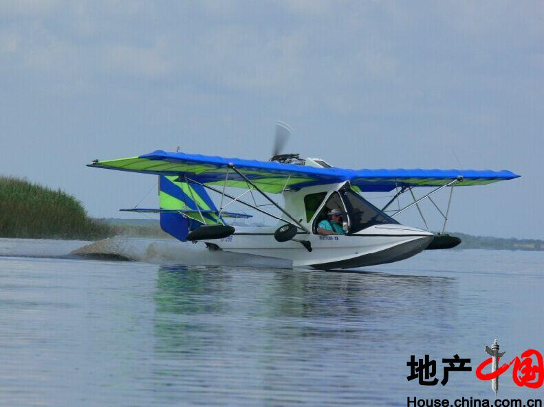 海南科科莫沙滩俱乐部水上飞机