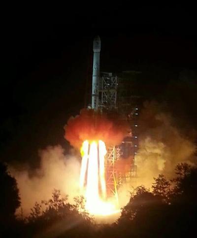 嫦娥三号月球探测器成功发射入轨