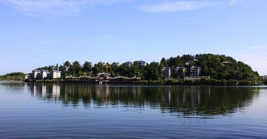 观山湖八项目集中开工 百花湖文化公园投资6.7亿元