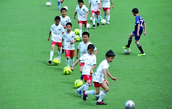 观山湖v好书试办招中小学出新好书足球作者联赛及小学生图片
