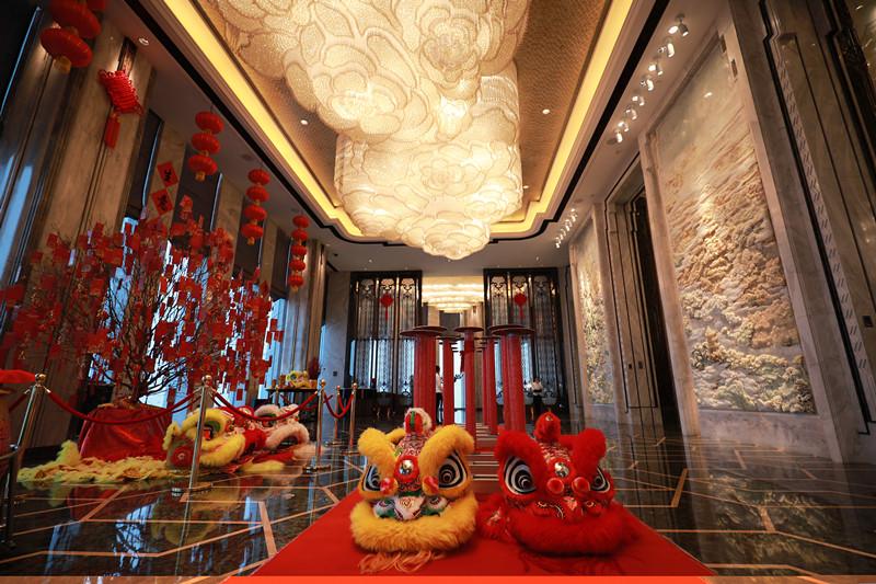 舞狮迎春 喜盈瑞华-中国网地产