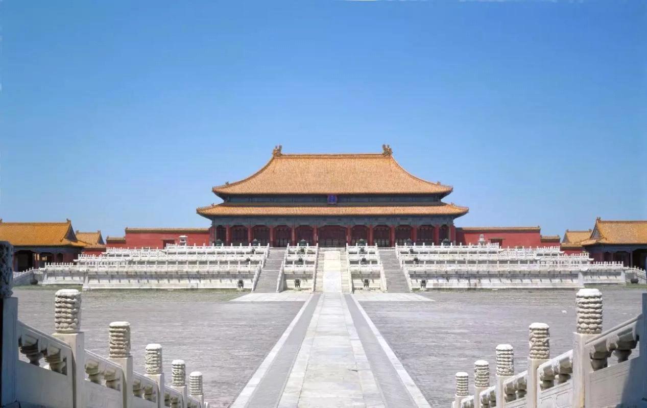 说重檐庑殿顶是屋顶的最高等级,那飞檐就是屋顶建筑最美的建筑结构,高