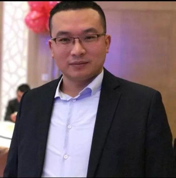 (俊发集团贵阳公司总经理钟本斌参加了此次活动)