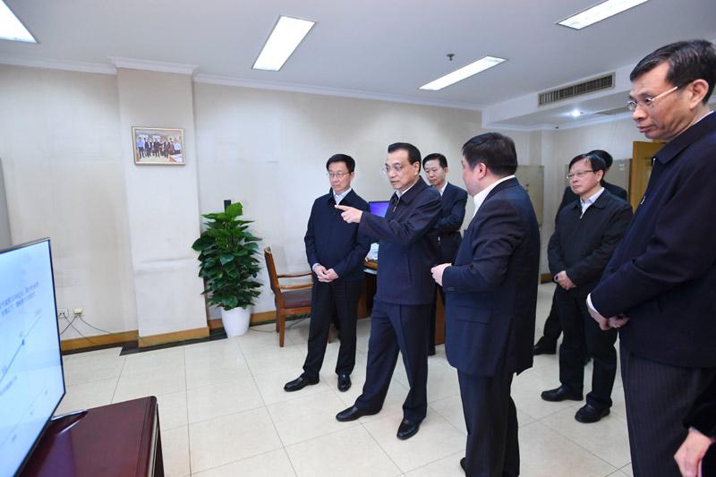 李克强考察财政部税务总局-中国网地产