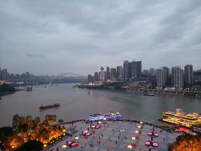 中新互聯互通項目展廳揭幕 重慶來福士華麗亮燈-中國網地産