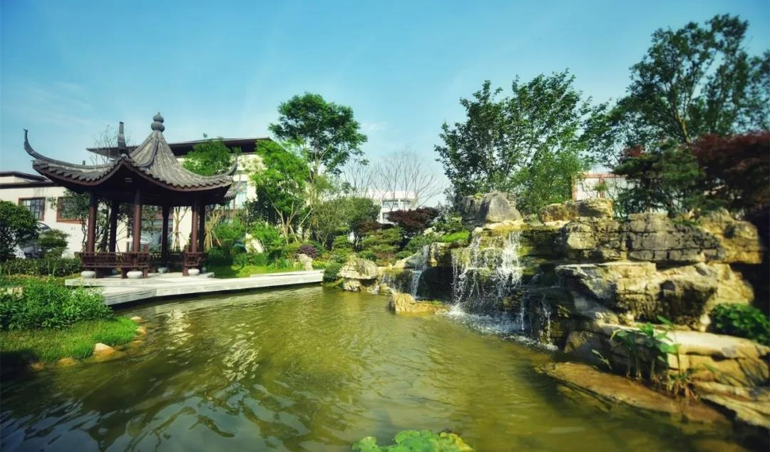 一迳抱幽山 居然城市间 遵商·梦想小镇-中国网地产