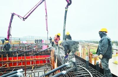 南部新城最大现浇箱梁浇筑完成-中国网地产